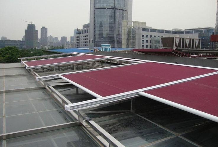 厂区厂房顶部安装天幕篷